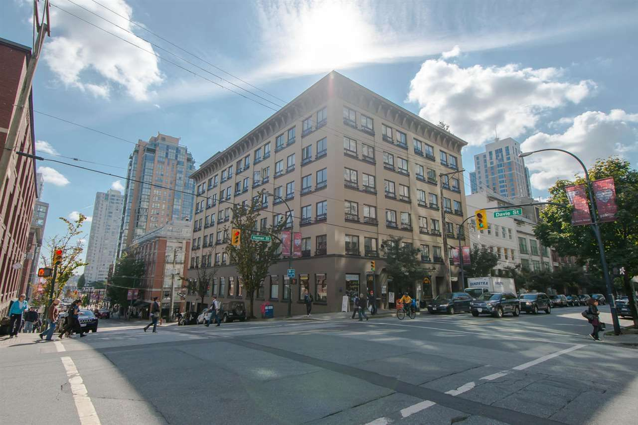 """Main Photo: 209 1216 HOMER Street in Vancouver: Yaletown Condo for sale in """"THE MURCHIES BUILDING"""" (Vancouver West)  : MLS®# R2003084"""