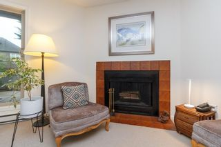 Photo 7: 104 1241 Fairfield Rd in : Vi Fairfield West Condo for sale (Victoria)  : MLS®# 862113
