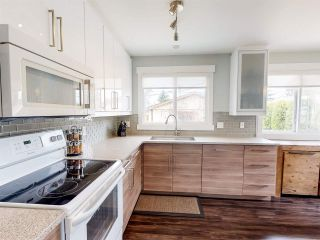 Photo 17: 11172 37 Avenue in Edmonton: Zone 16 House for sale : MLS®# E4241149