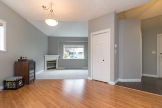 Photo 11: 102 951 Goldstream Ave in : La Langford Proper Row/Townhouse for sale (Langford)  : MLS®# 886212