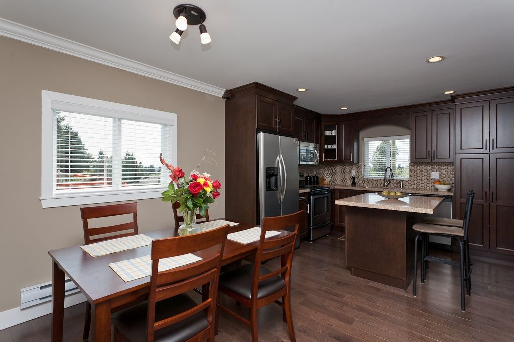 Photo 9: Photos: 369 MUNDY Street in Coquitlam: Coquitlam East House for sale : MLS®# V951722