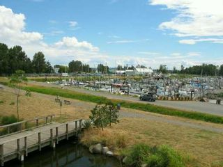 """Photo 8: 326 5600 ANDREWS RD in Richmond: Steveston South Condo for sale in """"LAGOONS"""" : MLS®# V604338"""