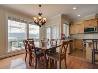 """Photo 8: 93 8590 SUNRISE Drive in Chilliwack: Chilliwack Mountain Townhouse for sale in """"MAPLE HILLS"""" : MLS®# R2284999"""