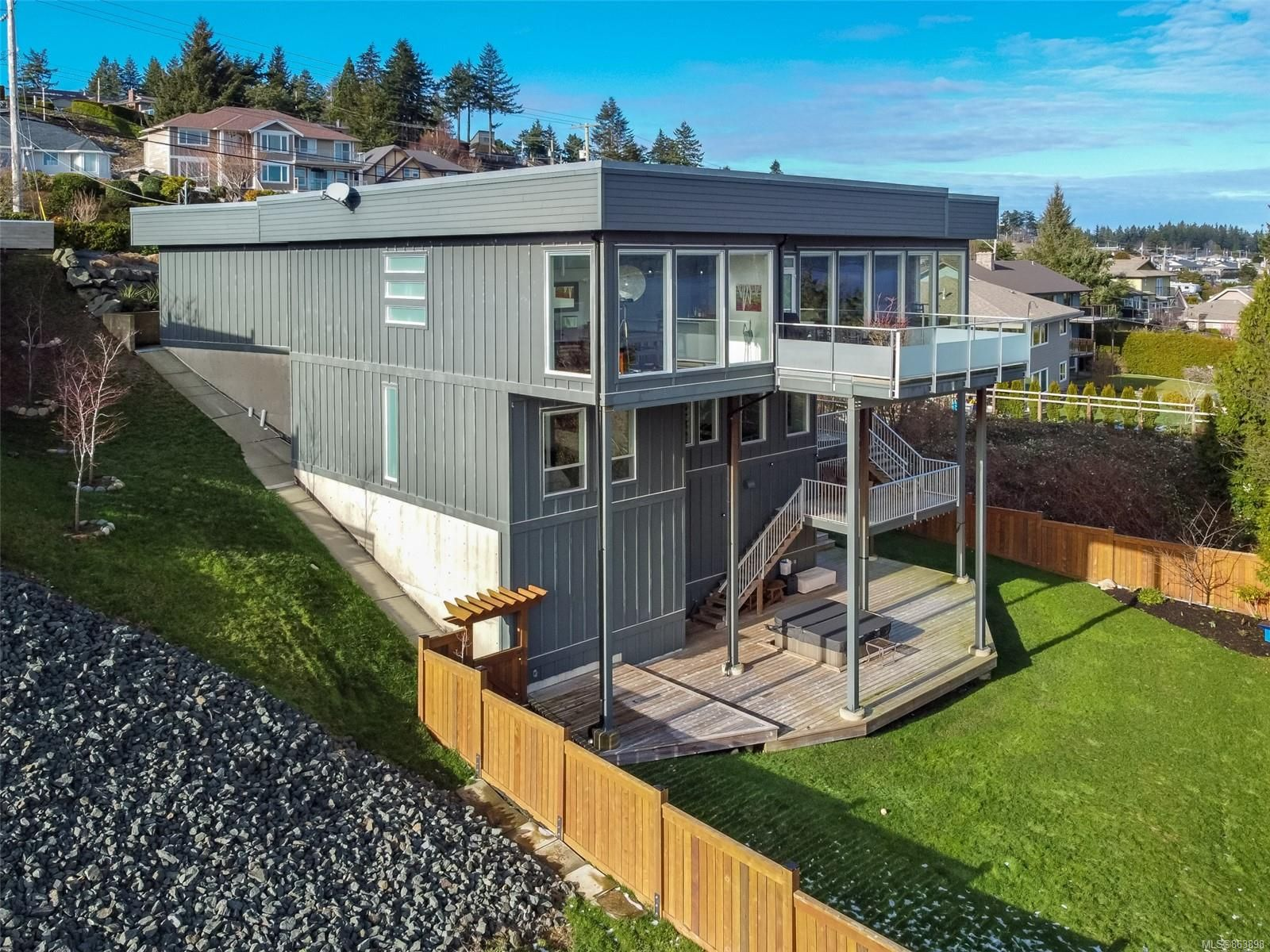 Main Photo: 435 S Murphy St in : CR Campbell River Central House for sale (Campbell River)  : MLS®# 863898