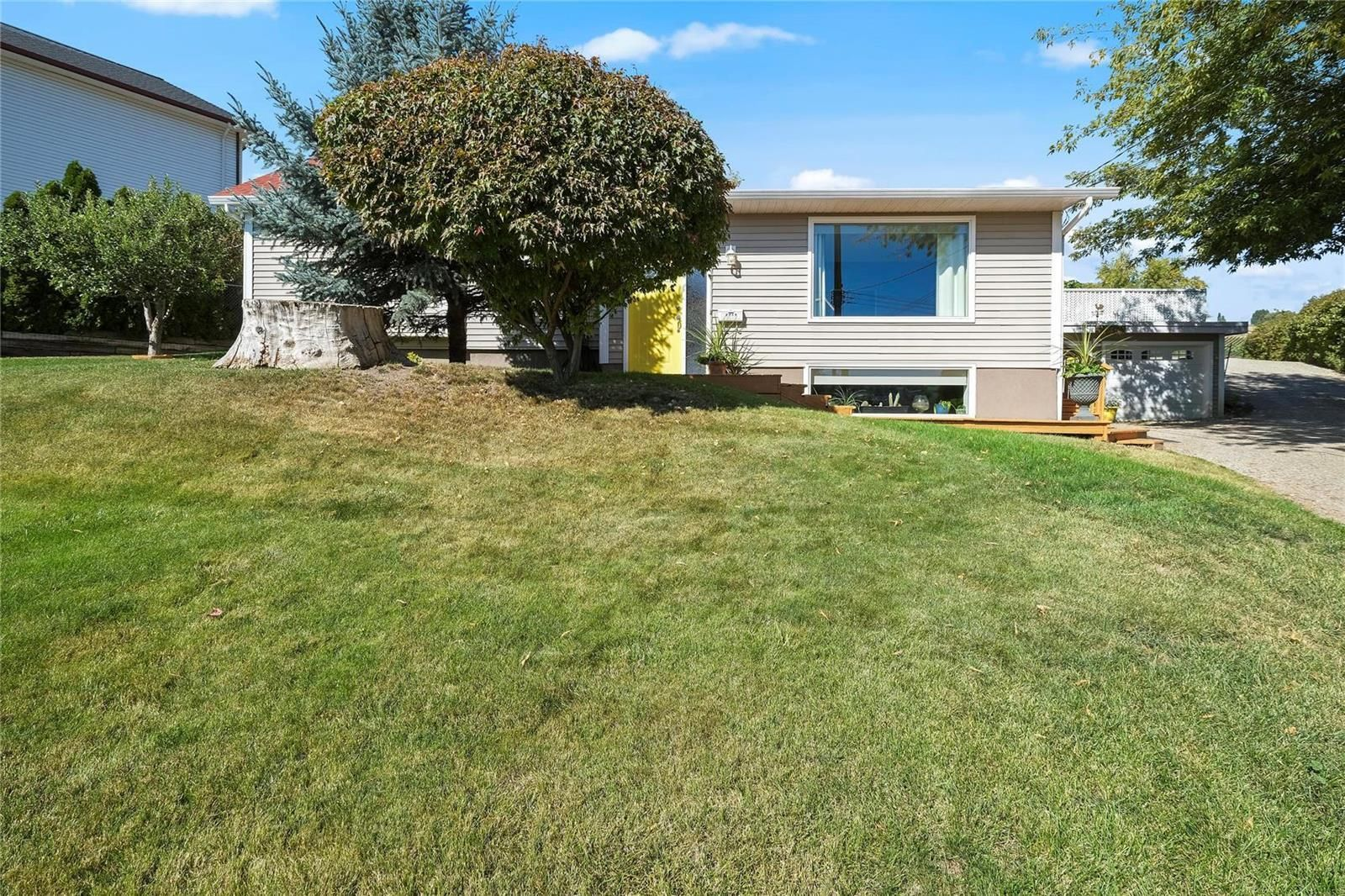 Main Photo: 4513 27 Avenue, in Vernon: House for sale : MLS®# 10240576