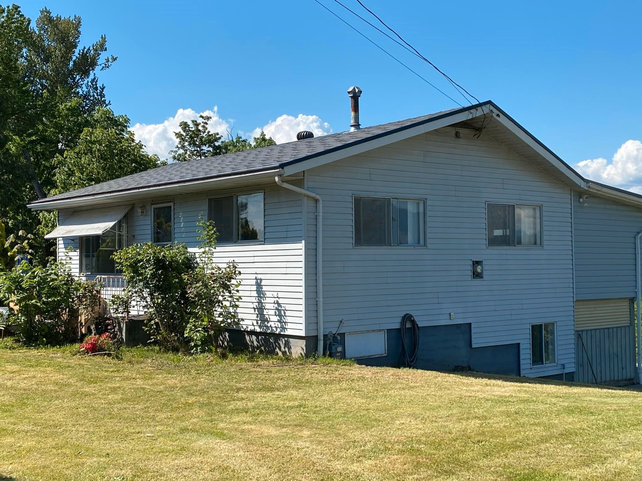 Main Photo: 49155 YALE Road in Chilliwack: East Chilliwack House for sale : MLS®# R2609756