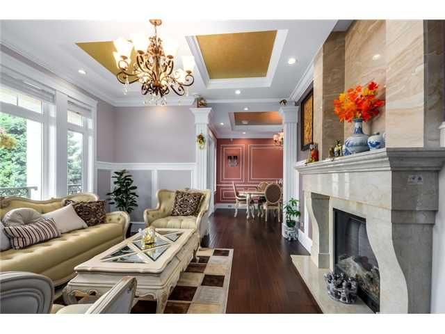 Photo 3: Photos: 4791 CLINTON ST in Burnaby: South Slope House for sale (Burnaby South)  : MLS®# V1084047