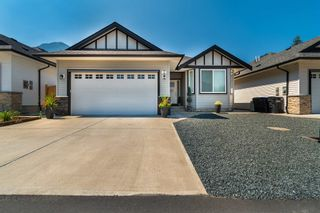 """Photo 1: 3 20118 BEACON Road in Hope: Hope Silver Creek House for sale in """"Silver Ridge Estates"""" : MLS®# R2606902"""