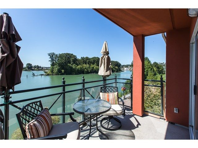 Main Photo: # 414 3 RIALTO CT in New Westminster: Quay Condo for sale : MLS®# V1139473