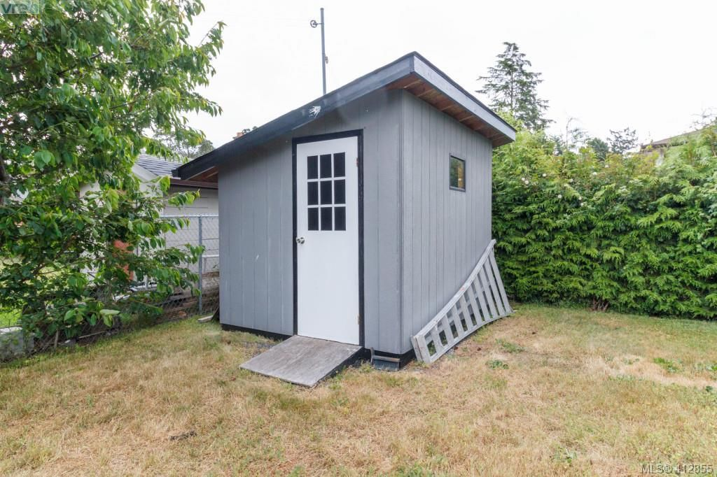 Photo 20: Photos: 3355 Painter Rd in VICTORIA: Co Wishart South House for sale (Colwood)  : MLS®# 818684