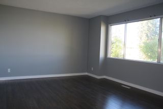 Photo 2: 8329 166 Street in Edmonton: Zone 22 House for sale : MLS®# E4263534
