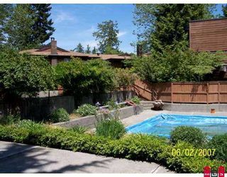 """Photo 10: 2304 10620 150TH Street in Surrey: Guildford Townhouse for sale in """"Lincoln's Gate"""" (North Surrey)  : MLS®# F2716715"""