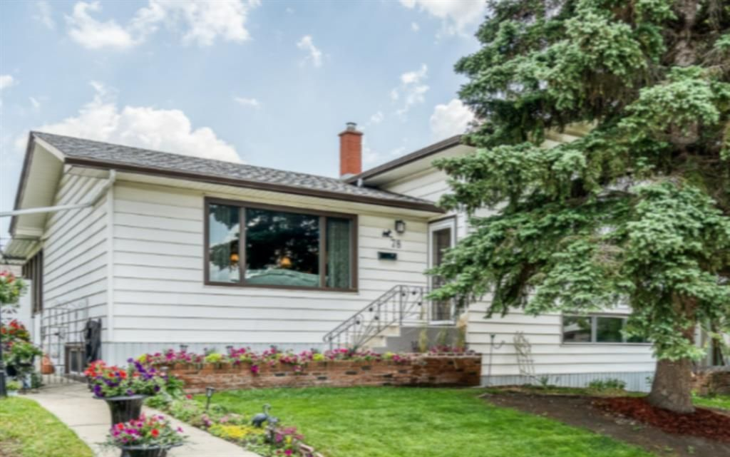 Main Photo: 78 Fairview Drive SE in Calgary: Fairview Detached for sale : MLS®# A1127910