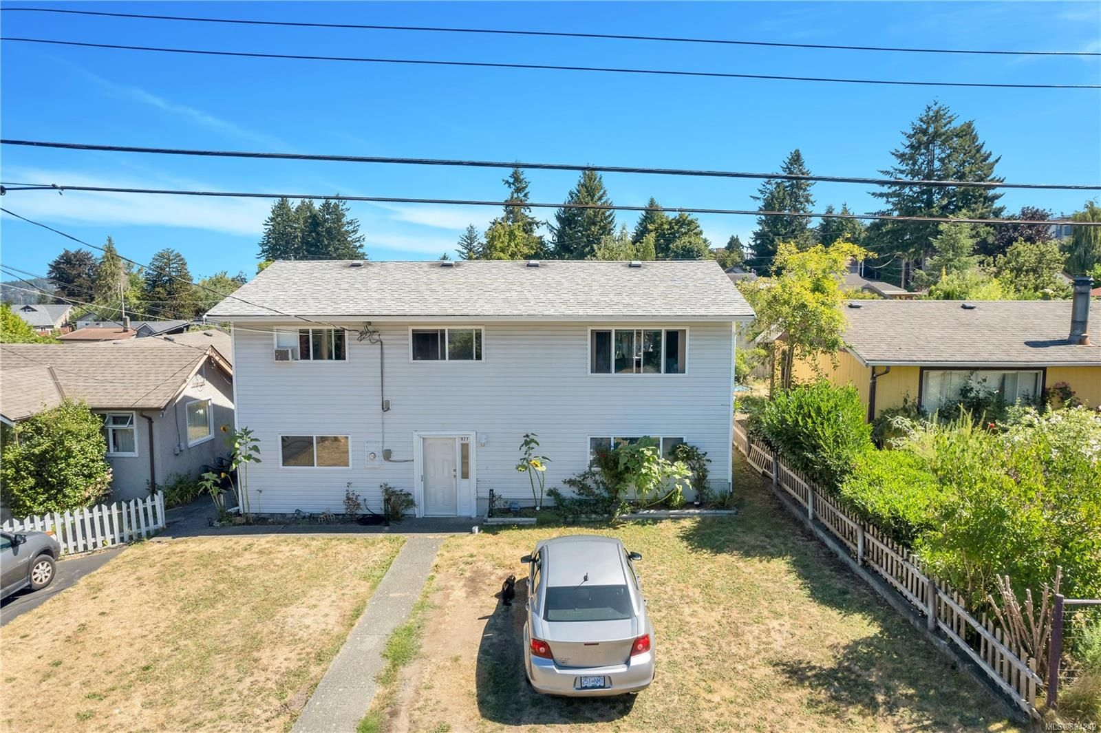 Main Photo: 927 GREENWOOD St in : CR Campbell River Central House for sale (Campbell River)  : MLS®# 884242