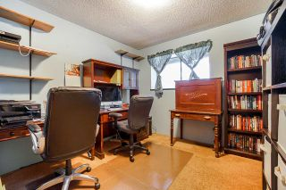 Photo 11: 7324 TODD Crescent in Surrey: East Newton House for sale : MLS®# R2404173