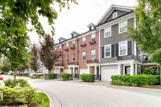 """Photo 2: 19 19572 FRASER Way in Pitt Meadows: South Meadows Townhouse for sale in """"COHO II"""" : MLS®# R2472866"""