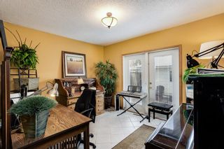 Photo 4: 4720 26 Avenue SW in Calgary: Glendale Detached for sale : MLS®# A1102212
