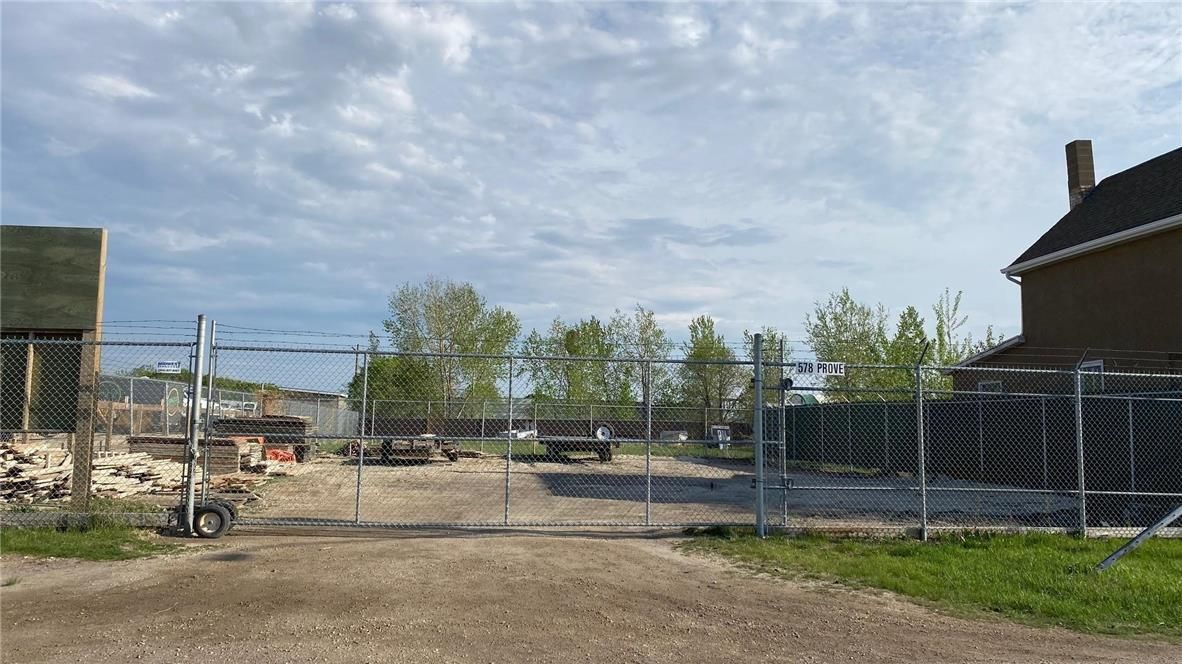 Main Photo: 578 Provencher Boulevard in Winnipeg: Vacant Land for sale : MLS®# 202113433