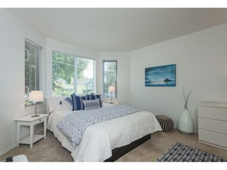 """Photo 11: 1137 ELM Street: White Rock Townhouse for sale in """"Marine Court"""" (South Surrey White Rock)  : MLS®# R2401346"""