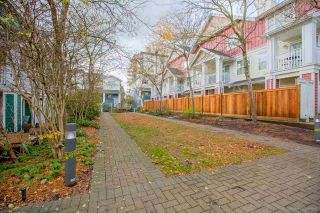 """Photo 19: 10 123 SEVENTH Street in New Westminster: Uptown NW Townhouse for sale in """"ROYAL CITY TERRACE"""" : MLS®# R2223388"""