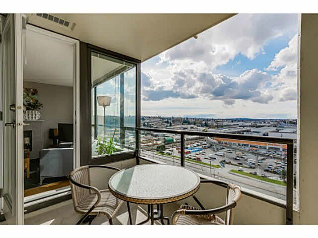 """Photo 3: Photos: 1404 4178 DAWSON Street in Burnaby: Brentwood Park Condo for sale in """"TANDEM"""" (Burnaby North)  : MLS®# V1117379"""