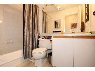 "Photo 15: 311 5955 177B Street in Surrey: Cloverdale BC Condo for sale in ""WINDSOR PLACE"" (Cloverdale)  : MLS®# F1433073"