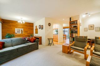 Photo 17: 4151 BRIDGEWATER Crescent in Burnaby: Cariboo Townhouse for sale (Burnaby North)  : MLS®# R2535340