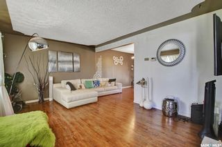 Photo 2: 3721 Caen Avenue in Regina: River Heights RG Residential for sale : MLS®# SK865504