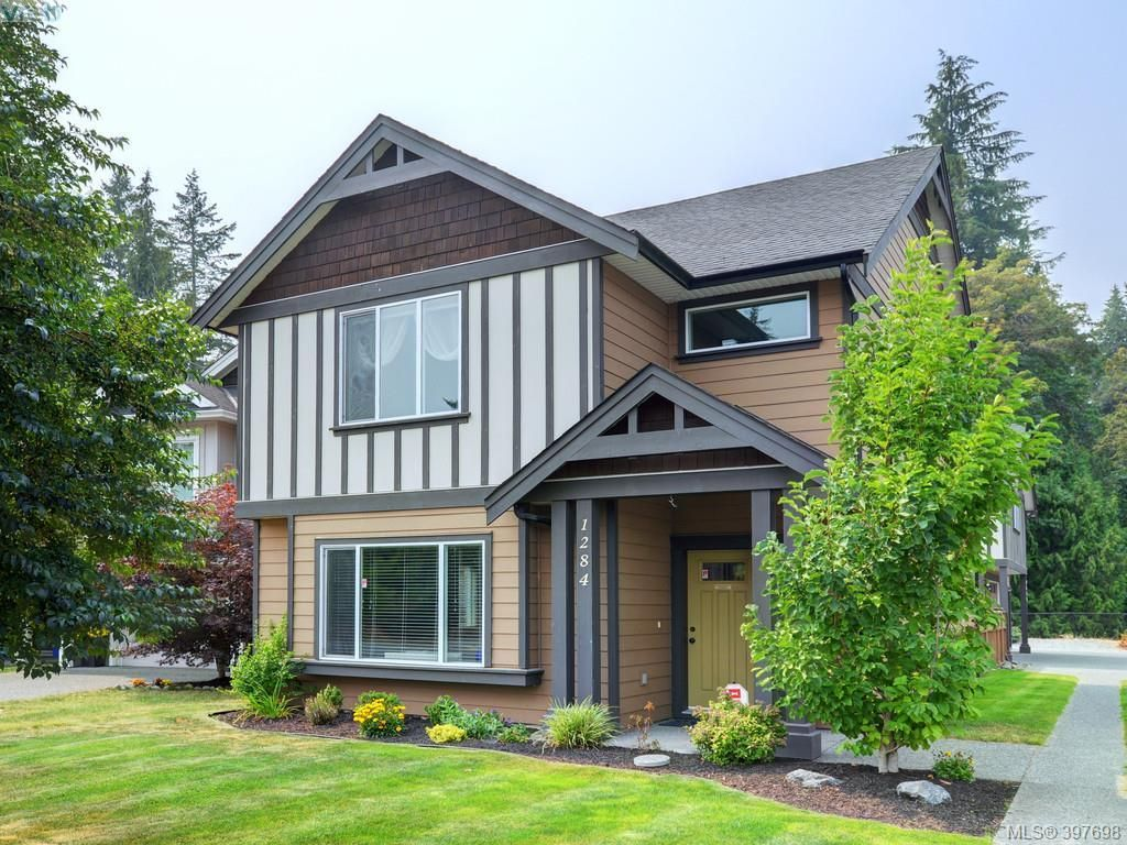 Main Photo: 1284 Parkdale Creek Gdns in VICTORIA: La Westhills House for sale (Langford)  : MLS®# 795585