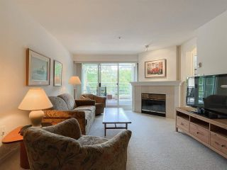 """Photo 2: 210 2105 W 42ND Avenue in Vancouver: Kerrisdale Condo for sale in """"BROWNSTONE"""" (Vancouver West)  : MLS®# R2582976"""