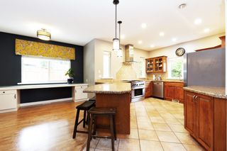 Photo 5: 21508 SPRING Avenue in Maple Ridge: West Central House for sale : MLS®# R2572329