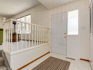 Photo 4: 5132 DALHAM Crescent NW in Calgary: Dalhousie Detached for sale : MLS®# C4244871