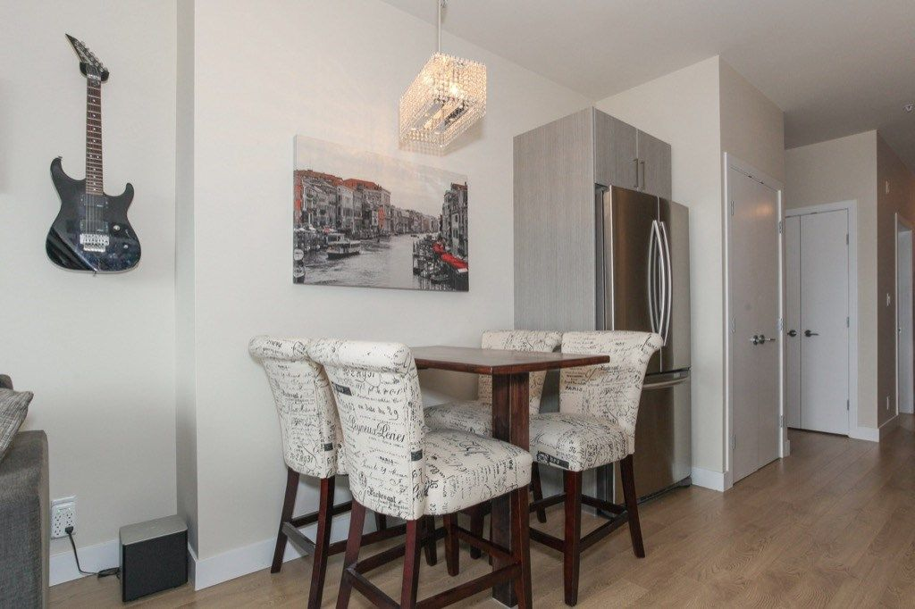 """Photo 3: Photos: PH5 388 KOOTENAY Street in Vancouver: Hastings East Condo for sale in """"VIEW 388"""" (Vancouver East)  : MLS®# R2150630"""