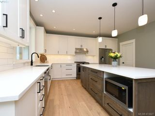 Photo 8: 1024 Deltana Ave in VICTORIA: La Olympic View House for sale (Langford)  : MLS®# 820960