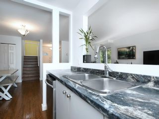 Photo 11: 12 2669 Shelbourne St in : Vi Jubilee Row/Townhouse for sale (Victoria)  : MLS®# 869567