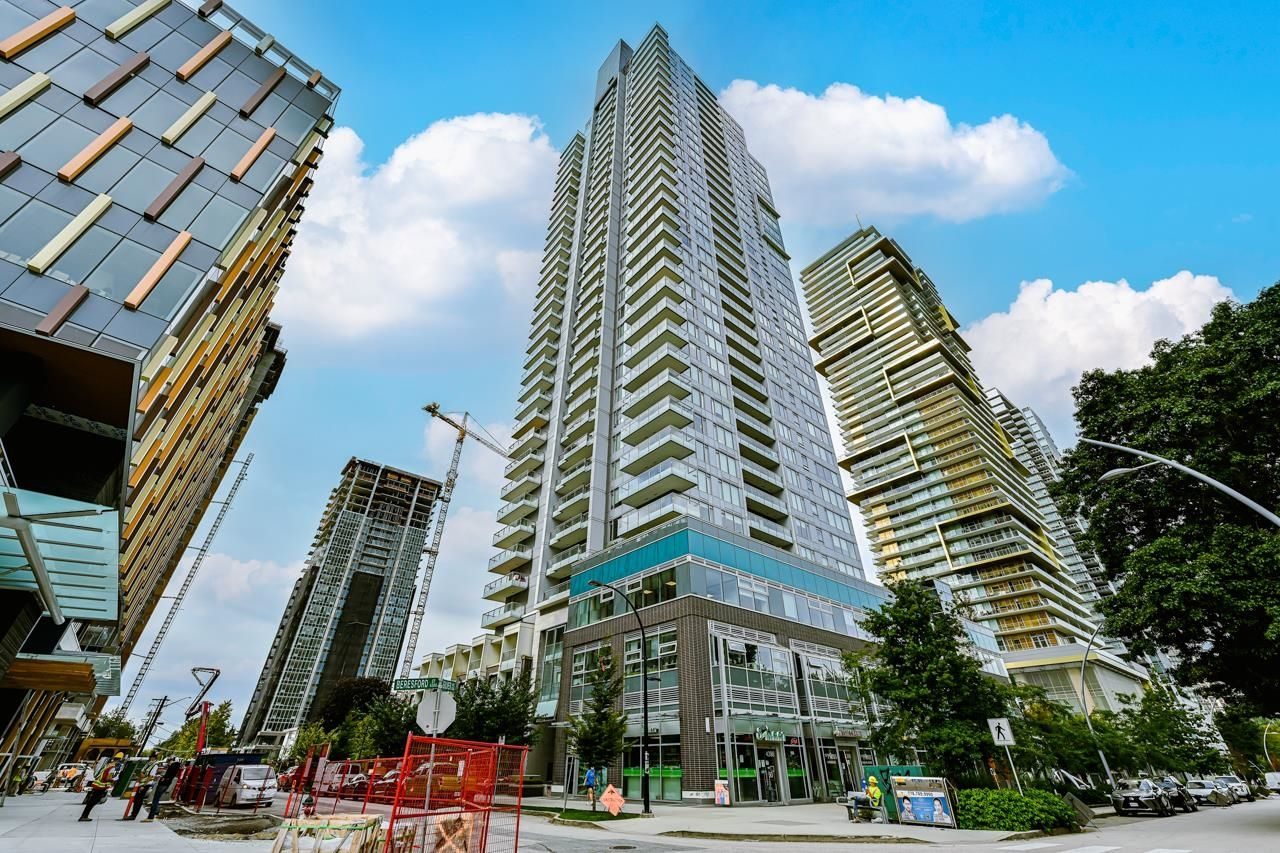 """Main Photo: 2309 6333 SILVER Avenue in Burnaby: Metrotown Condo for sale in """"Silver Condos"""" (Burnaby South)  : MLS®# R2615715"""
