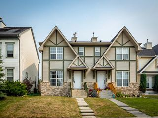 Photo 2: 326 Elgin Place SE in Calgary: McKenzie Towne Semi Detached for sale : MLS®# A1136926