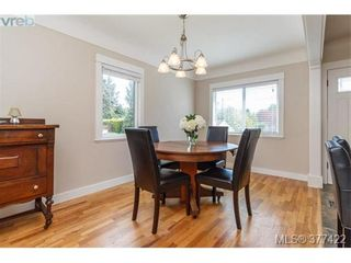 Photo 3: 1849 Gonzales Ave in VICTORIA: Vi Fairfield East House for sale (Victoria)  : MLS®# 757807