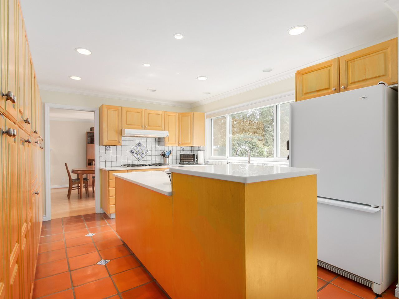 """Photo 7: Photos: 5153 SARITA Place in North Vancouver: Canyon Heights NV House for sale in """"Canyon Heights"""" : MLS®# R2055631"""