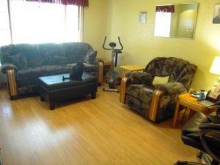 Photo 6: 379 BERRY Street in WINNIPEG: St James Residential for sale (West Winnipeg)  : MLS®# 1018172