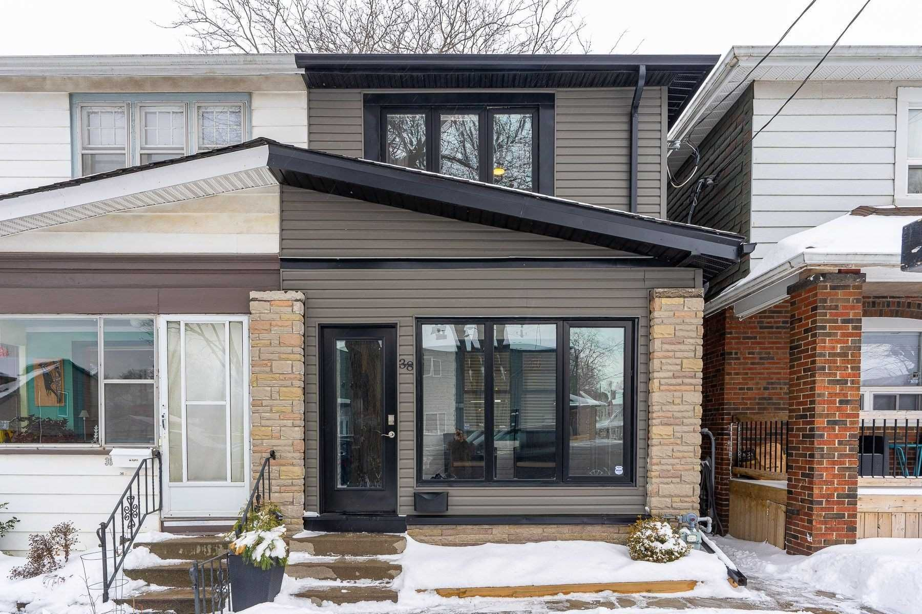 Main Photo: 38 Billings Avenue in Toronto: Greenwood-Coxwell House (2-Storey) for sale (Toronto E01)  : MLS®# E5124681