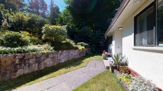 """Photo 2: 38151 CLARKE Drive in Squamish: Hospital Hill House for sale in """"Hospital Hill"""" : MLS®# R2478127"""