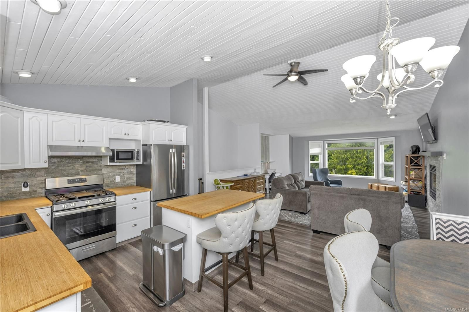Photo 9: Photos: 2376 Terrace Rd in : ML Shawnigan House for sale (Malahat & Area)  : MLS®# 877154