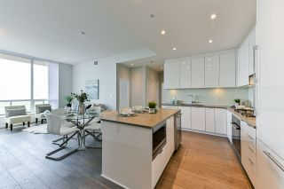 Photo 2: 3706 6638 DUNBLANE Avenue in Burnaby: Metrotown Condo for sale (Burnaby South)  : MLS®# R2357054