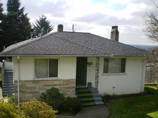 Photo 13: 909 E Keith Rd. in North Vancouver: Calverhall House for sale : MLS®# V884429