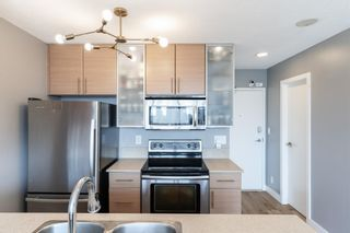 """Photo 11: 1409 977 MAINLAND Street in Vancouver: Yaletown Condo for sale in """"YALETOWN PARK 3"""" (Vancouver West)  : MLS®# R2595061"""