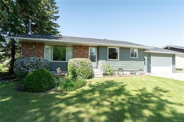 Main Photo: 241 4th Street in Niverville: Residential for sale (R07)  : MLS®# 1815269