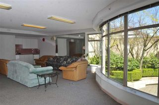 Photo 3:  in Vancouver West: Condo for sale : MLS®# R2075940