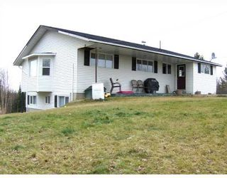 """Photo 2: 1122 EAGLE Road in Quesnel: Quesnel - Rural North House for sale in """"TEN MILE LAKE"""" (Quesnel (Zone 28))  : MLS®# N188479"""