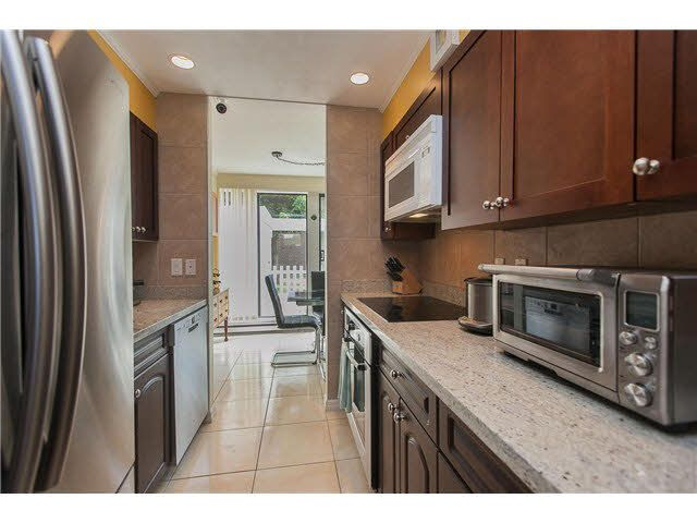 "Main Photo: 89 10200 4TH Avenue in Richmond: Steveston North Townhouse for sale in ""MANOAH VILLAGE"" : MLS®# V1124463"